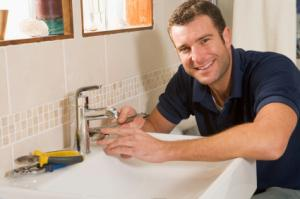 Our Fremont Plumbing Contractors Fix faucets